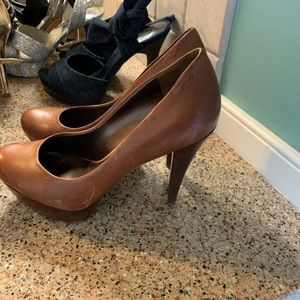 Brown guess high heels size 6.5